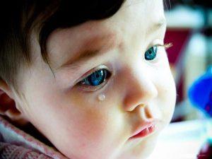 bebek ağlaması, bebekler neden ağlar, bebek ağlama nedenleri
